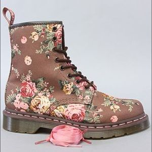 Dr Martens | Taupe Victorian Floral 8-eye Boots